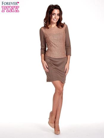 Brązowa dopasowana sukienka z ażurowym wykończeniem                                  zdj.                                  2
