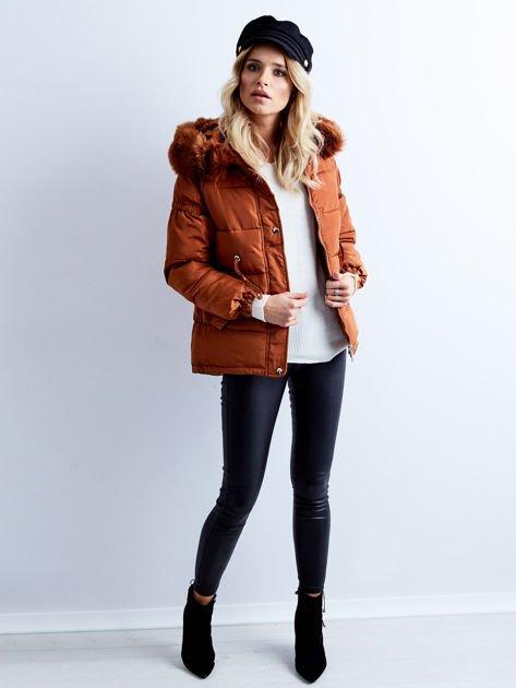 Brązowa kurtka zimowa pikowana                              zdj.                              5