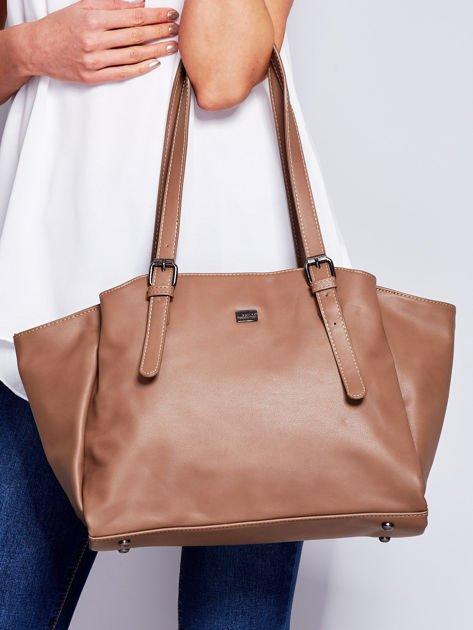 Brązowa miękka torba w miejskim stylu                              zdj.                              1