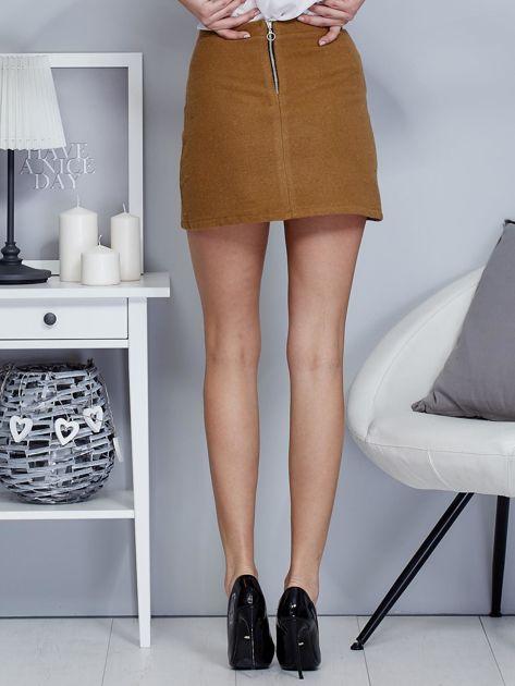 Brązowa spódnica trapezowa z suwakiem                              zdj.                              2