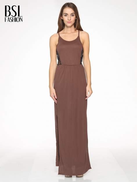 Brązowa sukienka maxi na ramiączkach z koronkowym tyłem                                  zdj.                                  1