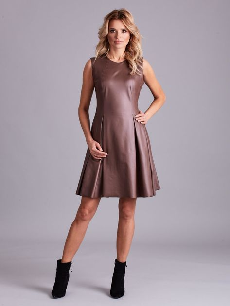 Brązowa sukienka z ekoskóry                              zdj.                              4