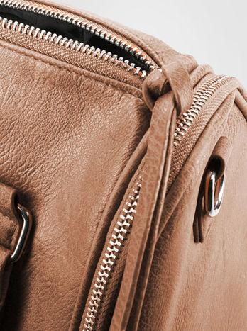 Brązowa torba bowling z suwakami                                  zdj.                                  6
