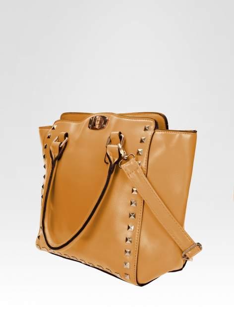 Brązowa torebka na ramię z dżetami                                  zdj.                                  2