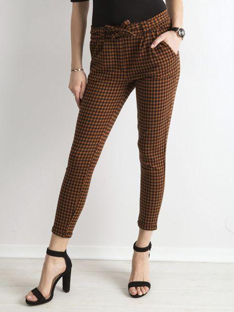 Brązowo-czarne spodnie w kratkę                              zdj.                              1