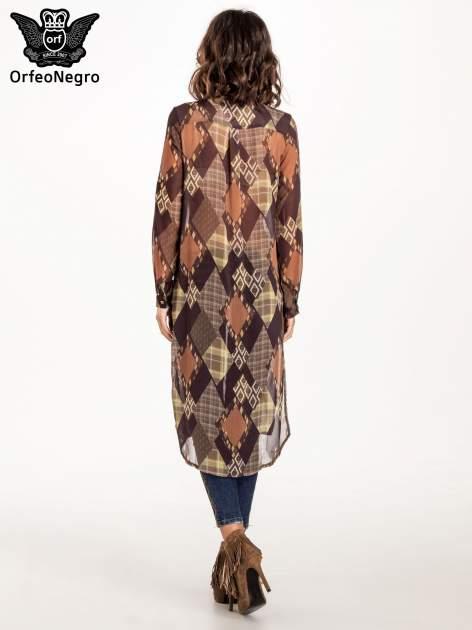 Brązowo-pomarańczowa długa koszula mgiełka w patchworkowy print                                  zdj.                                  2