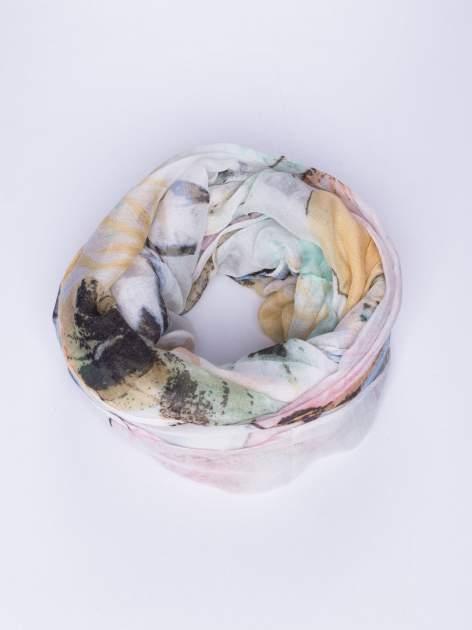 Brązowy cienki szal w motyle                                  zdj.                                  1