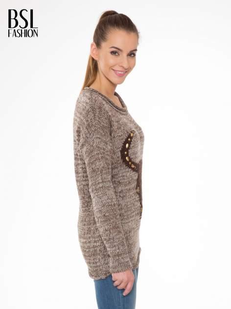 Brązowy melanżowy sweter z nadrukiem kozy                                  zdj.                                  3