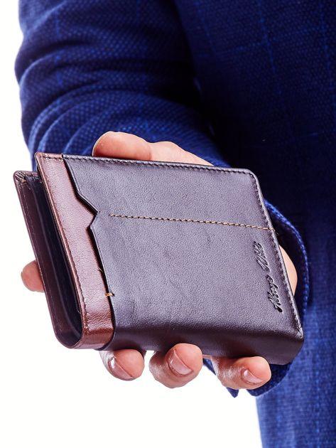 Brązowy portfel dla mężczyzny z ozdobnym wykończeniem                              zdj.                              2