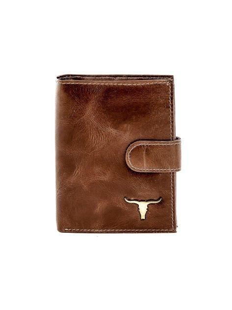 Brązowy portfel skórzany z cieniowaniem i zapięciem na zatrzask                              zdj.                              1