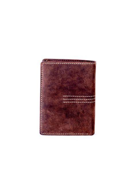 Brązowy portfel skórzany z tłoczeniem i przeszyciami                              zdj.                              2