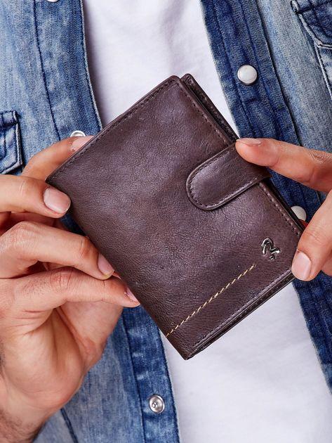 Brązowy rozkładany portfel ze skóry