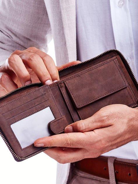Brązowy skórzany portfel dla mężczyzny z zapięciem na suwak                              zdj.                              3