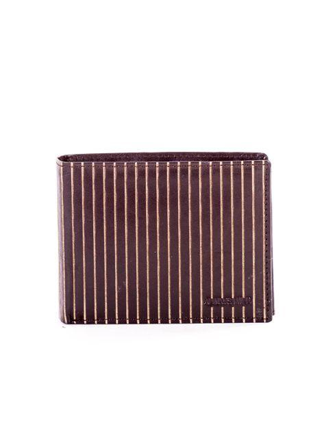 Brązowy skórzany portfel męski w tłoczone paski                               zdj.                              1