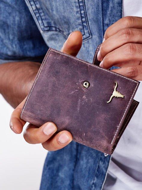 Brązowy skórzany portfel męski z zapięciem na zatrzask                              zdj.                              10