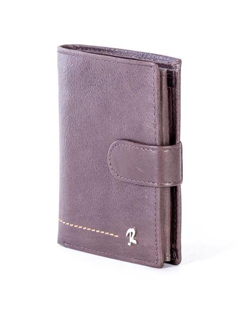 Brązowy skórzany portfel z klapką                              zdj.                              3