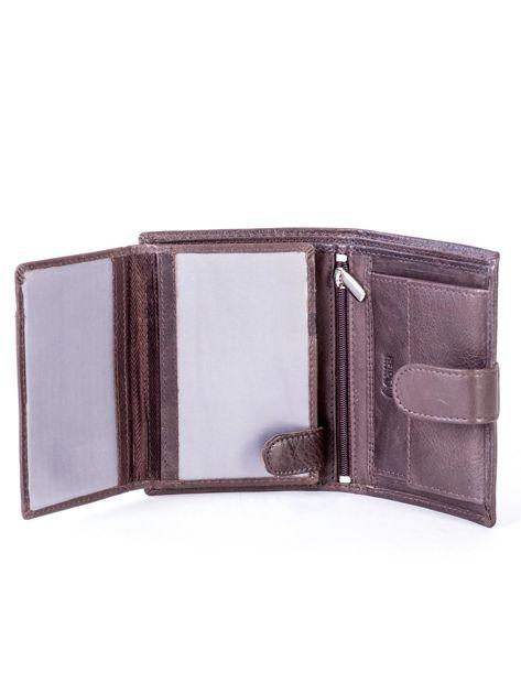 Brązowy skórzany portfel z klapką                              zdj.                              5