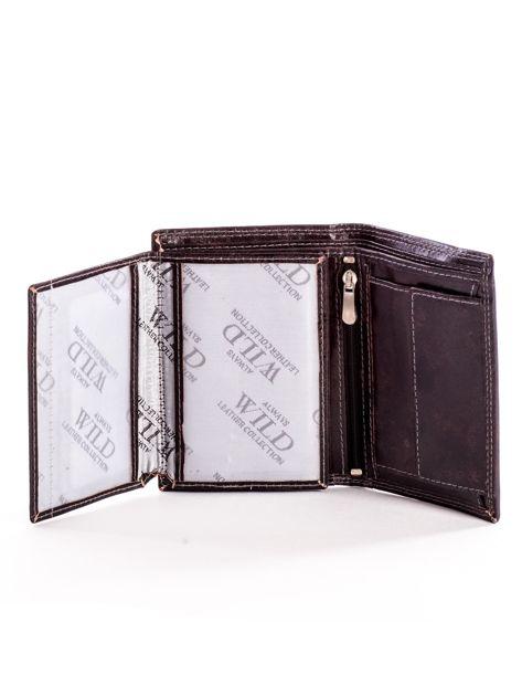 Brązowy skórzany portfel z tłoczonym logiem                              zdj.                              5