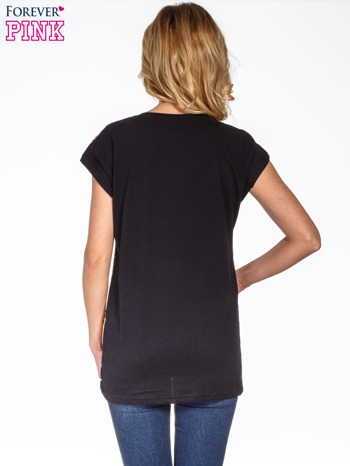 Brązowy t-shirt z motywem zwierzęcym                                  zdj.                                  4