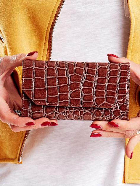 Brązowy tłoczony portfel damski ze skóry ekologicznej