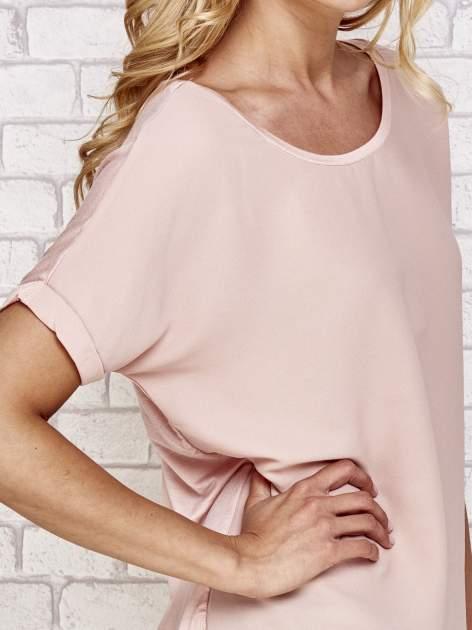 Brzoskwiniowa bluzka koszulowa z koronką z tyłu                                  zdj.                                  5
