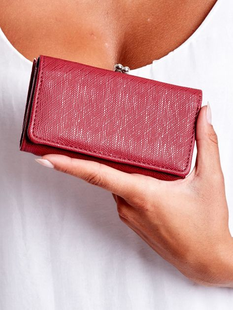 Burgundowy portfel z zapięciem na bigiel