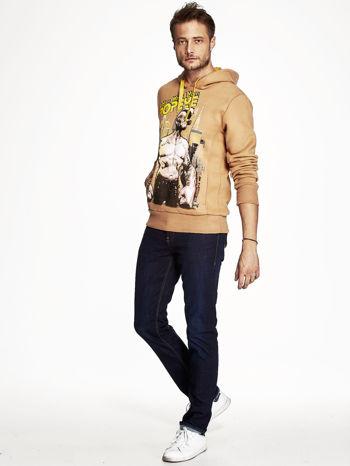 Camelowa bluza z kapturem z motywem Popeye                              zdj.                              4