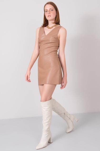 Camelowa sukienka z eko skóry BSL