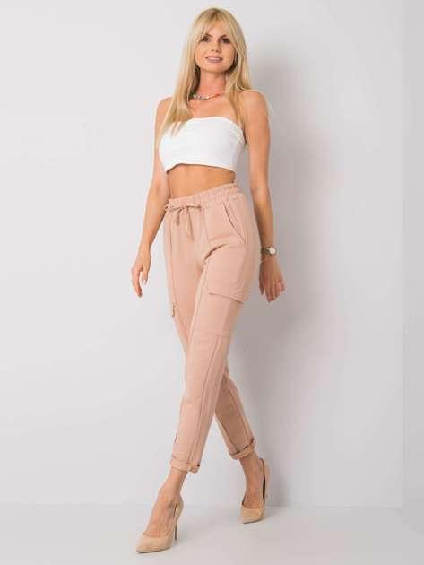 Camelowe spodnie dresowe z kieszeniami Despina RUE PARIS