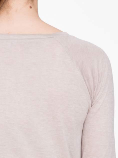 Ciemnobeżowa bawełniana bluzka z rękawami typu reglan                                  zdj.                                  7