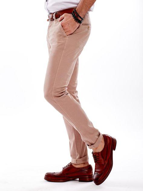 Ciemnobeżowe bawełniane spodnie męskie chinosy                               zdj.                              7