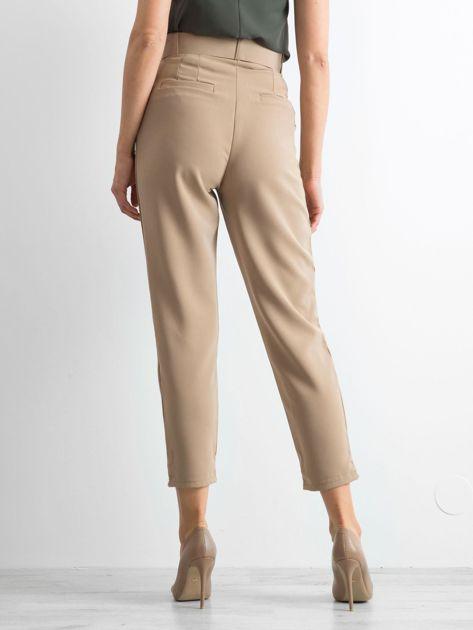 Ciemnobeżowe spodnie high waist                              zdj.                              2
