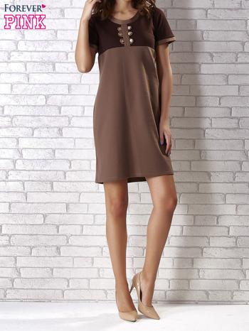 Ciemnobrązowa sukienka ze złotymi guzikami                                  zdj.                                  4