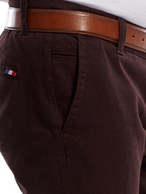 Ciemnobrązowe spodnie męskie chinos                              zdj.                              13