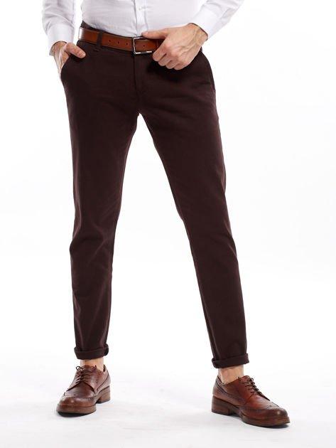Ciemnobrązowe spodnie męskie chinos                              zdj.                              1