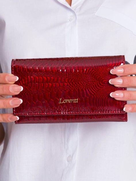 Ciemnoczerwony lakierowany skórzany portfel