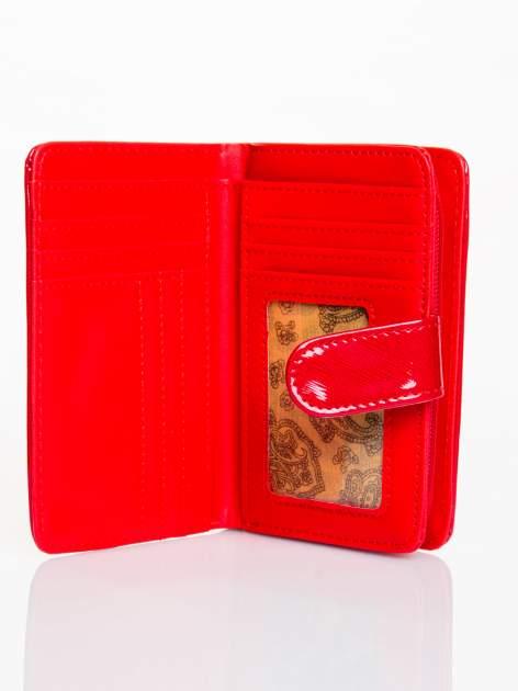 Ciemnoczerwony portfel efekt skóry saffiano                                  zdj.                                  3