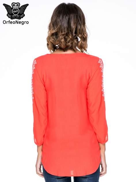 Ciemnokoralowa luźna koszula z haftem                                  zdj.                                  4