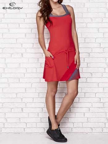 Ciemnokoralowa sukienka sportowa z szarymi wstawkami                                  zdj.                                  7
