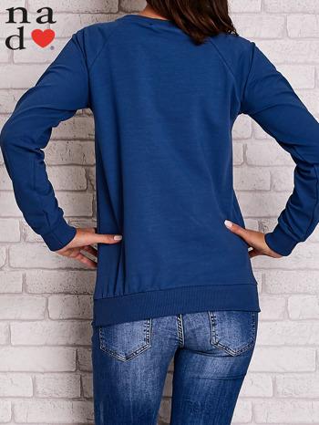 Ciemnoniebieska bluza z kwiatowym nadrukiem                                  zdj.                                  4