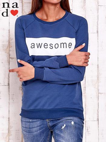 Ciemnoniebieska bluza z napisem AWESOME