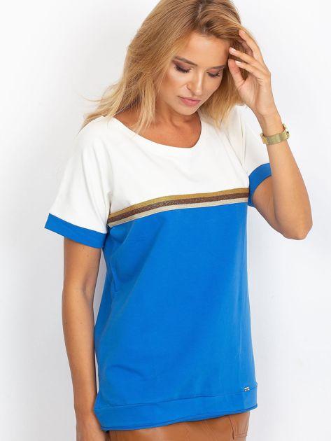 Ciemnoniebieska bluzka z dekoltem na plecach                              zdj.                              3