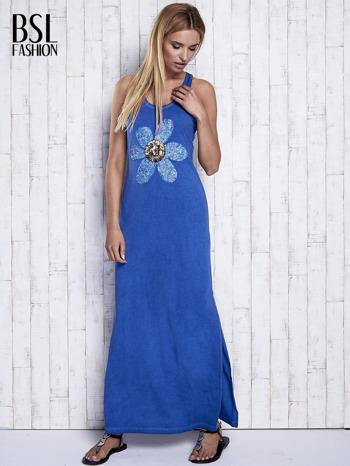 Ciemnoniebieska dekatyzowana sukienka maxi z cekinowym kwiatem                                  zdj.                                  4