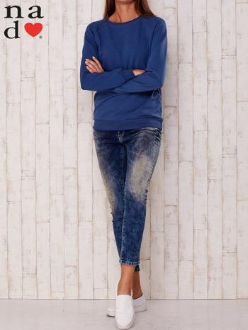 Ciemnoniebieska gładka bluza                                  zdj.                                  2