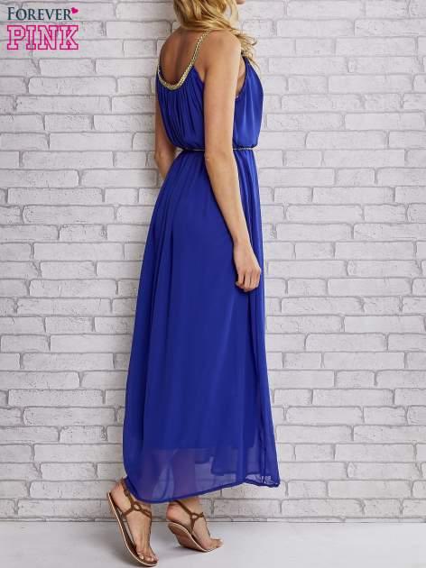 Ciemnoniebieska grecka sukienka maxi ze złotym paskiem                                  zdj.                                  5