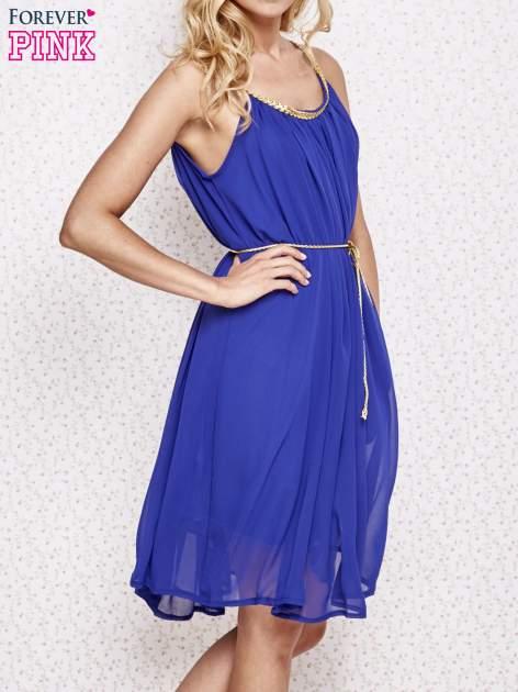 Ciemnoniebieska grecka sukienka ze złotym paskiem                                  zdj.                                  3