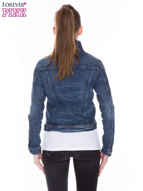 Ciemnoniebieska kurtka jeansowa z efektem przetarcia                                  zdj.                                  3