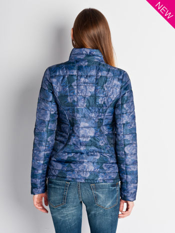 Ciemnoniebieska kurtka puchowa z motywem kwiatowym                                  zdj.                                  6