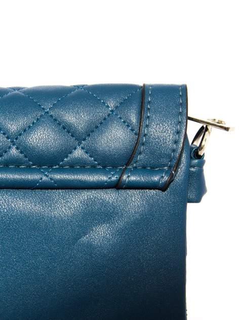 Ciemnoniebieska pikowana torba typu listonoszka                                  zdj.                                  9