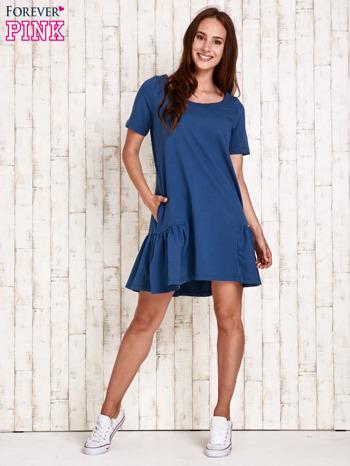 Ciemnoniebieska sukienka dresowa z falbanami z boku                                  zdj.                                  4
